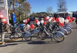 (Ελληνικά) Ξεκίνησε η διάθεση καρτών χρήσης των κοινόχρηστων ποδηλάτων του Δήμου